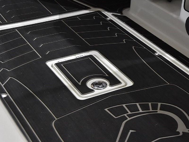 Custom Boat Flooring | TopDek
